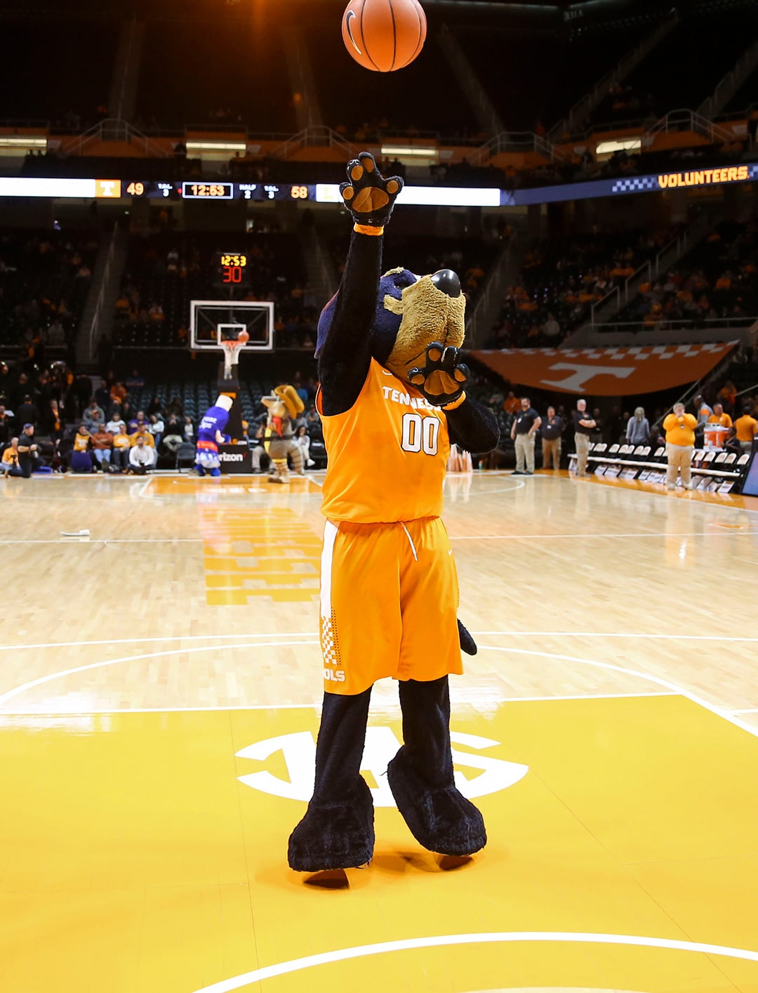 KNOXVILLE, TN - DECEMBER 15, 2016 -  Smokey Mascot during the game between the Lipscomb Bisons and the Tennessee Volunteers at Thompson-Boling Arena in Knoxville, TN. Photo By Hayley Pennesi/Tennessee Athletics